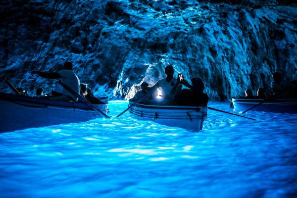blu-grotto-capri-boat-tour